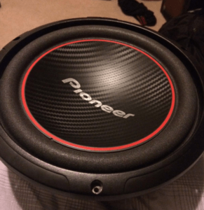 10in subwoofers Pioneer TSW254R